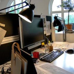 Arbetsstation hos arkitektfirman Krook & Tjäder